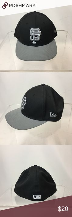 0f18f5ee3 San Francisco Giants New Era Fitted Hat Black and grey fitted hat. Worn max.