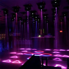 Montreal, nightclub. La mouche.