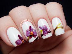 Manicura de flores para primavera