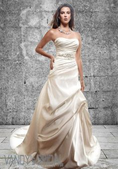 2013 A Line Sweetheart Neckline Sleeveless Court Train White Satin Wedding Gown with Beading (SAW240)