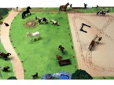 Pferdekoppel Spielmatte / Spielteppich ideal für Tiere und Figuren von Schleich, Papo, Bullyland, Playmobil, Lego, Siku, Britains, Weise-Toys, Wiking, Filly etc.