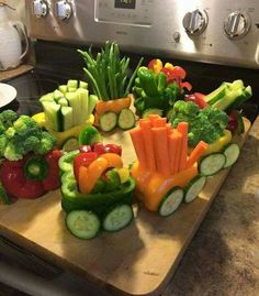 Edible veggie wagon. Bell peppers. Broccoli. Carrots. Cucumbers. Food train
