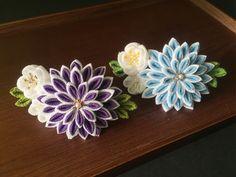 つまみ細工のコーム 青紫 Ribbon Art, Ribbon Crafts, Japanese Fashion, Japanese Kimono, Kanzashi Flowers, Baby Headbands, Fabric Flowers, Handicraft, Diy Fashion
