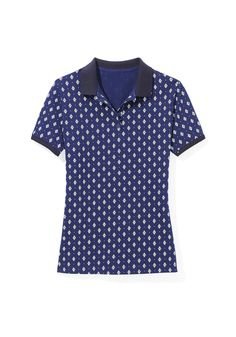 A fitted silhouette and a geo print give this top pop. Wear yours with a flowing or A-line skirt.