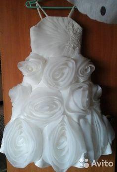 эксклюзивное платье для вашей принцессы, очень красивое, лямочки регулируются, сзади молния, состояние идеальное, торг