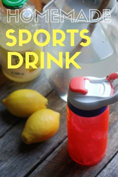 Skip the bottled sports drinks! Here's how to make a batch of homemade sports drink. Proper Nutrition, Sports Nutrition, Healthy Nutrition, Healthy Foods To Eat, Healthy Drinks, Kids Nutrition, Healthy Recipes, Smoothie Drinks, Smoothie Recipes