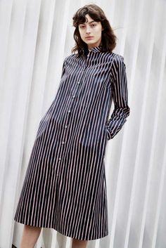 Shirt dress from Marimekko / Classic Finnish label New Fashion Trends, Fashion News, Marimekko Dress, Models Backstage, Dress Skirt, Shirt Dress, Date Outfits, Fashion Outfits, Elegant Outfit
