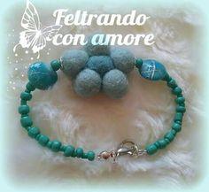#braccialetto con #perline #verde #mare e #fiore in feltro