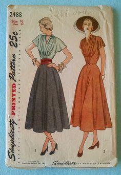 Millésime 1948 simplicité 2488 One Piece robe drapée ceinture jacquard - Cut taille 16, biais complet Triple andain rassemble et encolure V