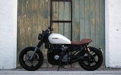 This Honda CB750 Nighthawk (1991-95) is the build #39 by our friend Pedro Bacalau of Lab Motorcycles
