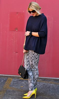 comfy H&M sweater and snakeskin skinny pants