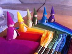 """Pocket gnomes """"En trapp av filt i regnbuens farger"""""""