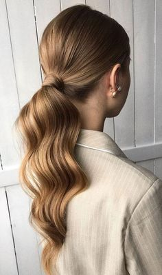 No fuss updo! No need to go all out date night and do some crazy-complicated hairstyle. these gorgeous ponytail hairstyles are also perfect for. hairstyles Gorgeous Ponytail Hairstyle Ideas That Will Leave You In FAB - Fabmood Low Ponytail Hairstyles, Pretty Hairstyles, Wedding Hairstyles, Hairstyle Ideas, Ponytail Ideas, Thin Hairstyles, Beach Hairstyles, School Hairstyles, Updo Hairstyle
