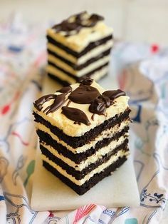 Delicious Deserts, Healthy Desserts, Easy Desserts, Dessert Cake Recipes, Sweets Recipes, Tasty Chocolate Cake, Different Cakes, Cake Fillings, Brownie
