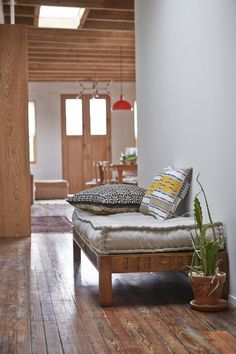 natural wood and light | Crush Cul de Sac