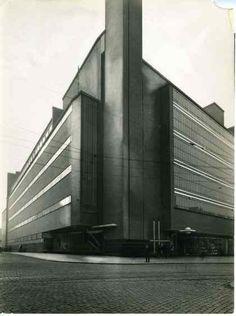 Oude Bijenkorf Rotterdam (1930) Rotterdam, Opera House, Art Photography, Sculptures, Building, Nostalgia, Kunst, Fine Art Photography, Buildings