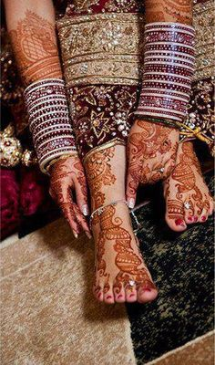 dulhan indian pakistani bollywood bride desi wedding bangles henna mehndi