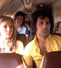 Freddie Mercury, Mary Austin and John Deacon travelling with Queen: picture from Brian May's book of photographs, taken while on tour Queen Pictures, Queen Photos, Queen Freddie Mercury, Rami Malek Freddie Mercury, Mary Austin Freddie Mercury, John Deacon, Freddie Mecury, Queen Guitarist, Roger Taylor
