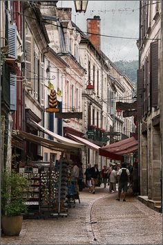 Rue de Brantôme - France | by © Capt' Gorgeous | via ysvoice (ysvoice)