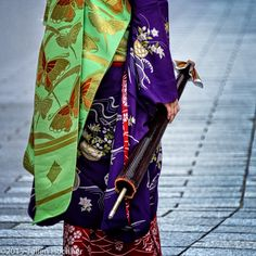 "geisha-kai: "" July 2015: kimono and obi of maiko Toshiemi by Julien Hochner on Flickr """