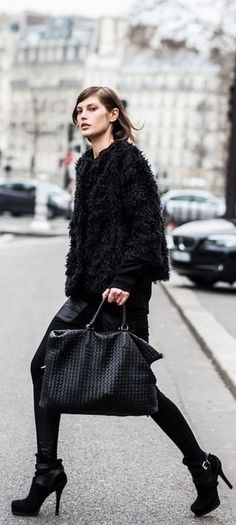 Staying chic despite the falling temperatures.