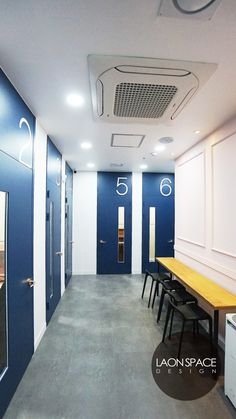 [학원인테리어]도담동 세종조이음악학원 60PY+상상그리다 미술학원인테리어 - 라온스페이스 : 네이버 블로그 Sign Design, Door Design, Music School, Room Signs, Corridor, Office Interiors, School Design, Windows And Doors, Signage
