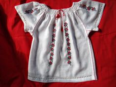 Imi cos singură o IE - Tutorial, cum croiesc Sewing Lessons, Peasant Blouse, Beaded Embroidery, Floral Tops, Sewing Patterns, Tunic Tops, Costumes, Stitch, Knitting