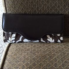 Thirty-one Wallet NWOT Brand New / Never Used Thirty-one Bags Wallets