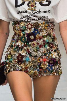 Красота в деталях: Dolce & Gabbana Весна-Лето 2017 (Одежда)