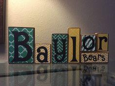 Baylor Bears wooden blocks // Cute desktop decoration!