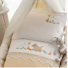 quilting like crazy Baby Sheets, Cot Sheets, Baby Bedding Sets, Baby Embroidery, Cross Stitch Embroidery, Cross Stitch Patterns, Quilt Baby, Rico Design, Cross Stitch Baby