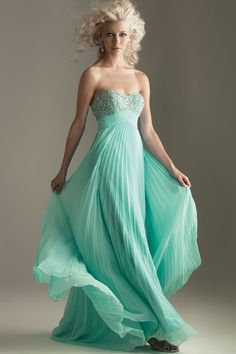 $310! You never see dresses like THIS on Say Yes to the Dress. Who needs Kleinfeld's?