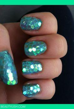 Mermaid-scale-nails