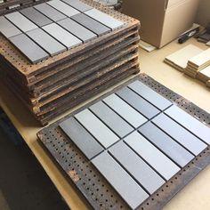 シート張りされたタイル  見本としてお客さまのもとへ届けられます🚚  1枚ずつ職人さんが手作業で貼っています  .  #タイル #タイル部 #tile #tiles #sugy How To Make Tiles, Photo And Video, Instagram