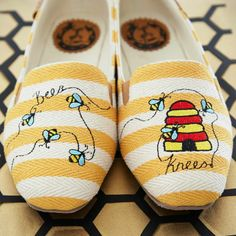 Can you even bee-lieve how cute these flats are? #buzzzworthy #omgshoes