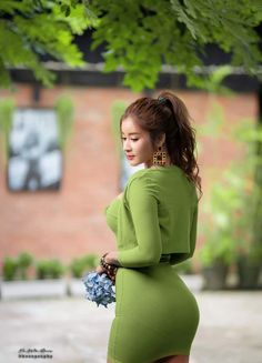 Sexy Asian Girls, Burmese Girls, Myanmar Women, Attractive Girls, Hot Dress, Beautiful Asian Women, Ao Dai, Asian Woman
