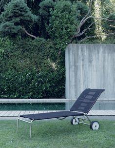 Green, the sun lounger by Giandomenico Belotti for #Alias  http://www.aliasdesign.it/worlds/44/green/  #summer #green #outdoor