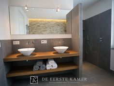 Home Decorating Style 2016 for Best Of Badkamer Ideeen Met Parket Tegels, you can see Best Of Badkamer Ideeen Met Parket Tegels and more pictures for Home Interior Designing 2016 33396 at Badkamermeubels Ontwerpen House Bathroom, Bathroom Styling, Bathroom Interior, Bathrooms Remodel, Bathroom Toilets, Bathroom Design, Beach House Bathroom, Small Bathroom Remodel, Bathroom Mirror