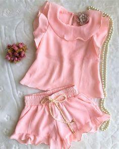 New Moda Infantil Feminina Baby 20 Ideas Frocks For Girls, Little Girl Dresses, Girls Dresses, Baby Girl Fashion, Toddler Fashion, Kids Fashion, Baby Dress Patterns, Handmade Clothes, Baby Wearing