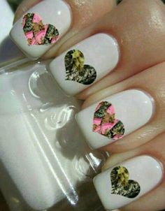 @Chrissy Gorham  I say we need a girl night doing our nails like this and drinking moonshine my dear