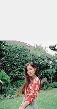 Wallpaper all member blackpink # Random # amreading # books # wattpad Kim Jennie, Jenny Kim, Kpop Girl Groups, Kpop Girls, Korean Girl Groups, Poses, Rose And Rosie, Rose Bonbon, Rose Park