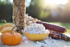 Who would have thought that vegan wine & popcorn would go together so well? Let's get popping and find out which wine pairs well with this favorite snack. Foods For Healthy Skin, Healthy Menu, Healthy Options, Healthy Snacks, Healthy Recipes, How To Make Popcorn, Snacks To Make, Pesto, Popcorn Packaging
