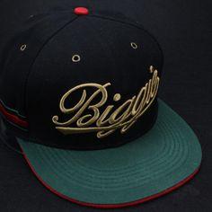Encontrar Más Gorras de béisbol Información acerca de 2015 nueva moda oro  bordado carta negro verde snapback del béisbol y gorras para hombre de  algodón ... 706a2359098