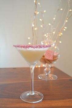 Sugar Cookie Martini with butterscotch schnapps from @Ms Gingham Polka Dot Bride