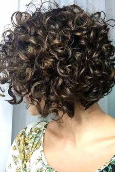 New Bob Haircuts 2019 & Bob Hairstyles 25 Bob Hair Trends for Women - Hairstyles Trends Bob Haircut Curly, Short Curly Bob, Haircuts For Curly Hair, Curly Hair Cuts, Short Hair Cuts, Bob Haircuts, Hairstyles Haircuts, Wedding Hairstyles, Curly Hair Styles