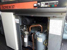 Cung cấp máy nén khí trục vít cũ nhập khẩu Nhật Bản. Hàng chất lượng cao, công suất từ 3.7 kw - 75 kw gồm cả máy nén khí  trục vít không dầu và máy nén khí trục vít ngâm dầu, có hệ thống tách ẩm hoặc không có hệ thống tách ẩm