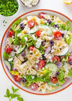 Greek Pasta Salad is so easy and perfect for Summer parties or potlucks! Packed with fresh veggies, Kalamata olives, tons of tangy feta cheese, and pasta! Best Pasta Salad, Greek Salad Pasta, Pasta Salad Recipes, Tortellini, Orzo, Feta, Bacon, Crunch, Tzatziki Sauce