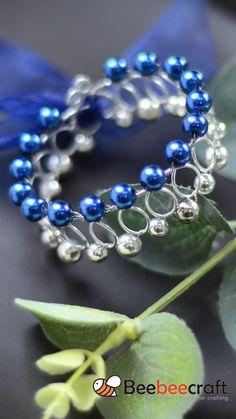Memory Wire Jewelry, Wire Jewelry Designs, Handmade Wire Jewelry, Wire Wrapped Jewelry, Wire Wrap Bracelets, Diy Jewelry Projects, Jewelry Making Tutorials, Jewelry Crafts, Bead Jewellery