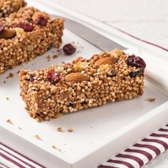 Soft bars without cooking with puffed quinoa , Soft, Quinoa-Free Tender Bars - Recipes - Cooking & Nutrition - Pratico Pratique. Quinoa Soufflé, Puffed Quinoa, Quinoa Bars, Desserts With Biscuits, Cookie Desserts, Healthy Food Alternatives, Raw Food Recipes, Healthy Recipes, Clean Eating Snacks