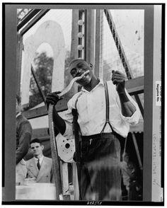 snake eater (1938) #Russell Lee